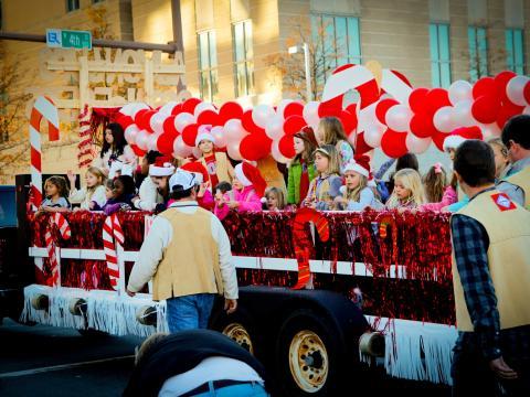 歡慶聖誕大遊行的花車