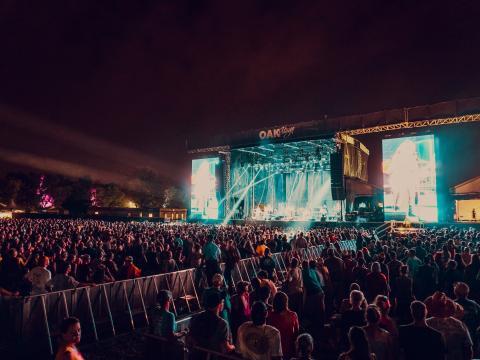 肯塔基州路易斯維爾的波本威士忌經典搖滾音樂節音樂節現場音樂演出